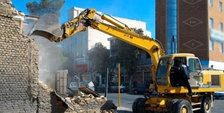 178 بنای غیر مجاز مسکونی و تجاری در سنندج تخریب شد