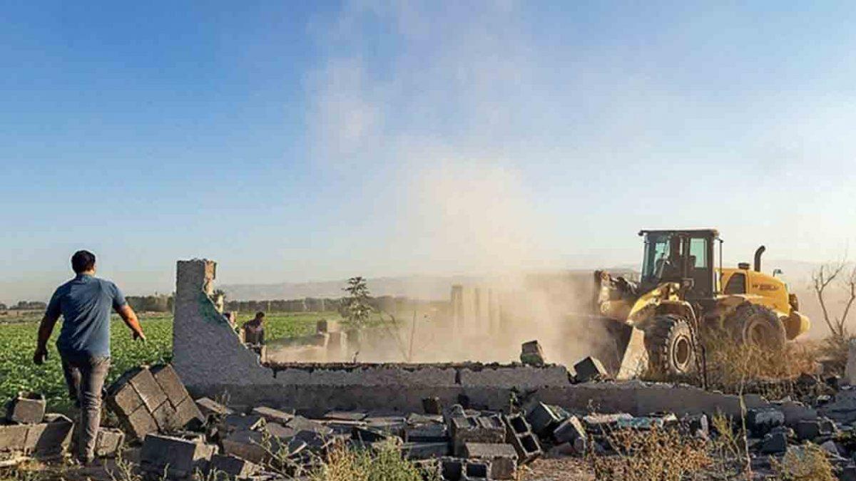 تخریب ساخت و سازهای غیر قانونی در اراضی کشاورزی رباط کریم با ورود دادستانی